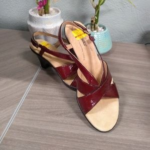 NWT Softspots Red Patent Leather Sandals